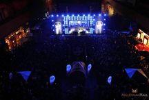 Bezpłatny koncert Dawida Podsiadło! / 8 czerwca na Skwer Millenium Hall przyjechał najbardziej muzyczny autobus - Red Bull Tour Bus, na dachu którego wystąpił Dawid Podsiadło z zespołem. Po koncercie, imprezę pod gołym niebem rozkręcił Dj Gregg.