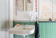 Erikas hem: Lilla toan / #wc #kakel #klinker #pärlspont #linoljefärg #tvättställ #återbruk