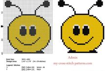 Baby bibs free cross stitch patterns / Baby bibs free cross stitch patterns.