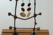 Twig Sculptures for Jewelry Display / A collection of upcycled jewelry displays made from twigs!!