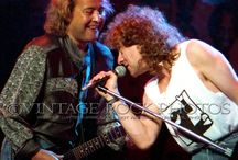 Lou Gramm  and Mick Jones on the stage