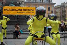A+B = Absolutnie Bezpieczni / Prezentacja najlepszych zdjęć z Kampanii Społecznej roku 2012 zrealizowanej przez Imago PR.