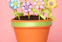 Flower pots/Gumball machine  / by Jodi Miller Brownlee