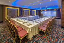 Meeting Rooms / Great gathering space for your meetings.