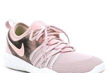kengät ja vaatteet