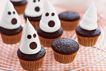 Cupcakes / by Carole Ladendorf