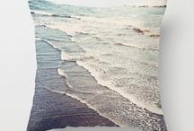Beach-Themed Rooms / by Stephanie Hampton Cuonze