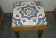 Kachlové stolky