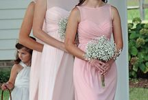 Beautiful Bridesmaids / Lovely ladies & beautiful bridesmaid dresses / by Lenora's Legacy