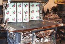 Vintage Kitchen / Vintage and antique kitchen aids and utensils.  susies-scraps.com