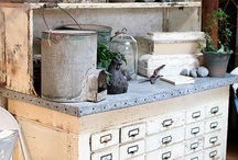 oude meuk-kast en assecoirres