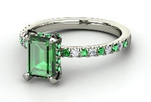I Love Emeralds / by Barbara Ceo