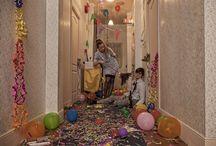 El nuevo Hotel Overlook / Reinterpretación de la escena del Hotel Overlook de 'El Resplandor', (1980). Un proyecto de los alumnos del Curso Avanzado de Fotografía junto con los de Curso General de Escenografía.