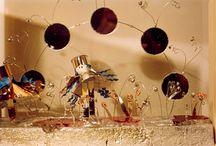 Rossana Turri / bacheche in vetro e legno che racchiudono fiabe tridimensionali in cartoncino