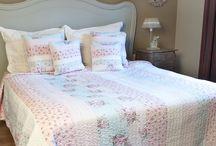 Bedsprei / Houdt u van een slaapkamer met een nette en stijlvolle uitstraling? Dan zijn deze Beddenspreien echt iets voor u.