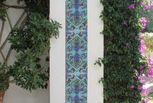 Tiles for pillars / These ceramic tiles can be used to decorate pillars, in the home or outside, to bring some colour and design to spaces usually over looked.