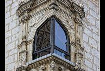 Architecture / Bricks and mortar creating art