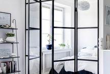 skleněné stěny