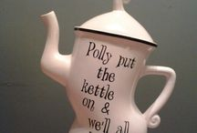 Teapots and Kettles, Cups and Saucers / by Sonia Colon