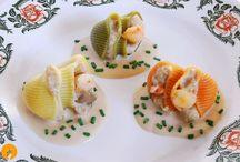 Pastas y Pizzas / Recetas y Vídeos: http://www.cocina-casera.com/search/label/PASTA%20Y%20PIZZA