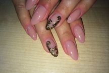 Nails& make up