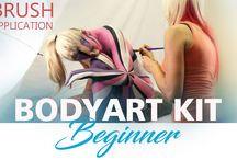 Brushes and bodypaint for body painting