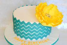 Decorative Cakes / by Kelsea Baumgarten