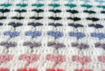 Haken/Crochet - kussens en dekens / Allemaal gehaakte (woon)dekens en kussens