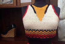 Bu Yazın Modası Örgü! / Örgü sadece kışın mı giyilir? Eğer böyle düşünüyorsanız bu yazın modasını kaçırıyorsunuz demektir. 70'lerin örgü hippi şortlarından örgü büstiyerlere ve bikinilere kadar el yapımı onlarca ürün Zet.com'da!