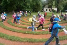 Labyrinty v areálu