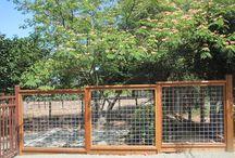 Moderna och kreativa staket / Vi älskar staket! Här samlar vi på moderna, nytänkande och kreativa staket, insynsskydd och plank.