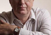 David Hewson / David Hewson (9 januari 1953) is een Brits schrijver van misdaad en -mysterieboeken. Zijn series van moderne misdaad spelen zich af in Rome, met in de hoofdrol detective Nic Costa. Het eerste deel was getiteld A Season for the Dead, en werd tot dusver gevolgd door acht sequels.  Hij was ook lid van het International Thriller Writers Inc tot 2009. In 2011 werd David Hewson gevraagd de 'novelisation' te schrijven van de populaire Deense dramaserie 'The Killing'.