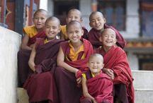 National dresses and clothes-also religious clothes-perinteiset kansallispuvut ja vaatteet-myös uskontoon kuuluvat