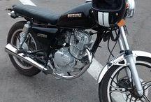 Suzuki Gn 125 Cafe Racer / Aca les dejo mi GiNa, Suzuki GN 125H que yo mismo la he modificado al estilo Cafe Racer. Atento a sus comentarios, gracias y saludos cafeteros!