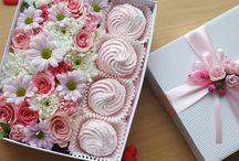 Цветы в коробках, букеты, подарочные наборы