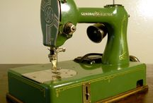 aNTiQue SeWIng macHiNEs & VInTage seWinG sTUff