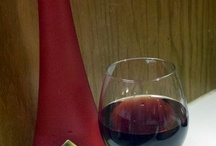 Red, Red Wine / In pursuit of the perfect glass of Pinot Noir, Sangiovese, Cabernet Sauvignon, Malbec ...