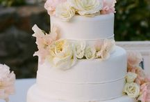 wedding cakes / by Alison Miller