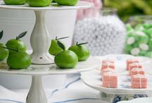 Outdoor Entertaining / Ideas and inspiration for entertaining outdoors including recipes and decorating.