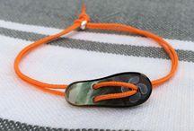 TONGUES / De ravissants bracelets en forme de tongues en nacre de Tahiti : TABOUTONGA !