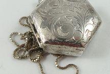 Jewelry box lockets