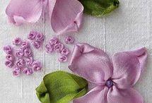 ленты и цветы
