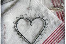 Trådslöjd hjärtan