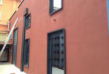 Facciata in legno termotrattato / realizzazione facciata in legno termotrattato di cantina vitivinicola.