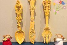 Kokulu taş / Ürünler kokulu taş tozlarından yapılmış olup istenilen renklerde sipariş verilebilir.