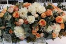 Corporate Flowers Sydney / Corporate flowers need to be crafted carefully as they reflect your brand personality. Make an elegant first impression with corporate flowers in Sydney.