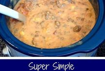 Crockpot & Slow Cooker / Recipes for one pot meals. What could be better?