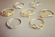 Jewels / Rings, necklaces and more