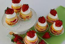 Cupcakes / by Debbie Danielka