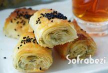 Börek Tarifleri / Sofrabezi Yemek Tarifleri Portalı ve Sitesi. Börek tarifleri, hazır yufka ile yapılan börek tarifleri hazır yufkadan börek nasıl yapılır, adım adım börek tarifleri, börek nasıl yapılır, sigara böreği tarifi,mini milföy böreği tarifi, çiğ ıspanaklı börek tarifi, hazır yufka mantısı, patatesli gül böreği tarifi, unlu börek, midye böreği, midye böreği nasıl yapılır, reçelli puf böreği, hazır yufkadan mantarlı börek tarifi,